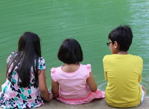 Muslim children become friends because of homeschooling.