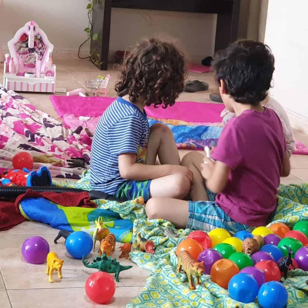 Muslim homeschooling mama at Three Little Language Learners.